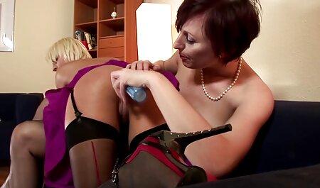 उसके हाथ बांधने के बाद और पैर मेज के साथ प्यार में गिर सेक्सी मूवी वीडियो में सेक्सी जाते हैं