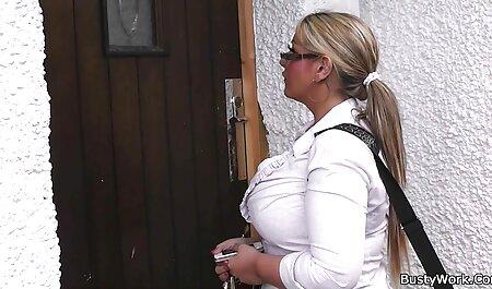 केटी चतुराई से संभोग करने के लिए उसका हाथ सेक्सी मूवी वीडियो हिंदी में डाल,