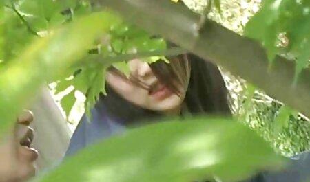 सोफे पर बैठे व्यस्त लड़की हिंदी में सेक्सी वीडियो फुल मूवी धीरे विचलित