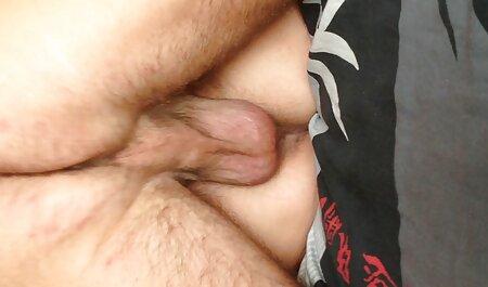 अपने सेक्सी वीडियो हिंदी मूवी में स्तन के साथ डंप मुर्गा सह
