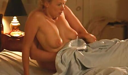 दर्पण के सेक्सी फिल्म फुल एचडी में माध्यम से बाथरूम में अपने अच्छे कपड़े बंद करें