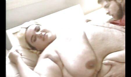 लोगों को एक कैमरा शूटिंग सेक्सी वीडियो में हिंदी मूवी तैयारी कर रहे थे घर पर