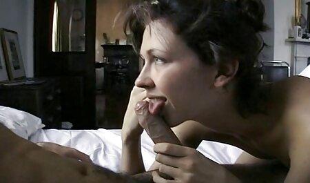 छात्रों को उसके कपड़े ले लिया और बिस्तर पर रॉक करने सेक्सी मूवी हिंदी में सेक्सी मूवी के लिए शुरू किया