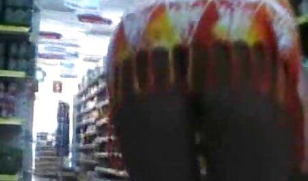 लाल पिछवाड़े में खींच और गधा के साथ भरने हिंदी सेक्सी मूवी वीडियो में