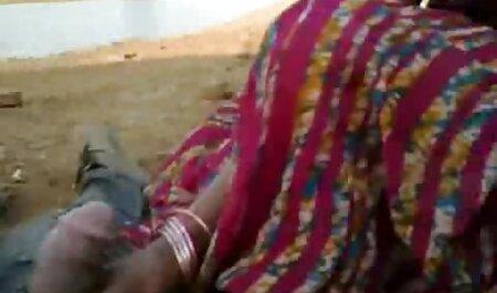 शरारती लड़कियों हिंदी सेक्सी मूवी वीडियो में जीभ बनाने