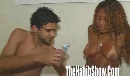 युवा बदमाश पुराने एक जोड़े की यात्रा करने के हिंदी सेक्सी फुल मूवी एचडी में लिए