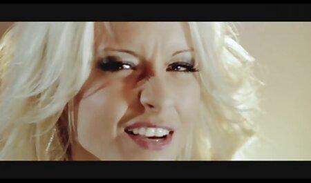 लिफ्ट में सेक्सी वीडियो एचडी मूवी हिंदी में