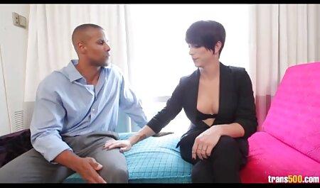 कैमरे पर नए आदमी के साथ सेक्सी मूवी मूवी हिंदी में माँ