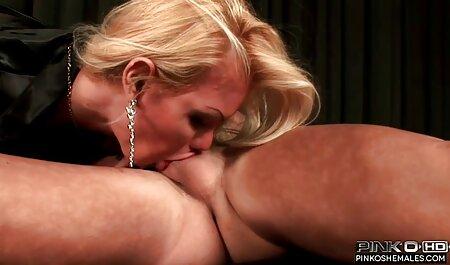 निजी क्षेत्र में एक फुल मूवी वीडियो में सेक्सी कठोर प्रशिक्षण अभ्यास के दौरान गिरावट आई