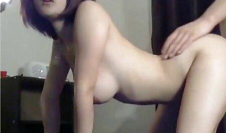 नग्न एथलीटों जिमनास्टिक्स प्रदर्शन पैर सेक्सी हिंदी मूवी में